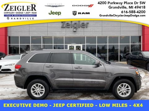 Pre-Owned 2019 Jeep Grand Cherokee Laredo 4WD