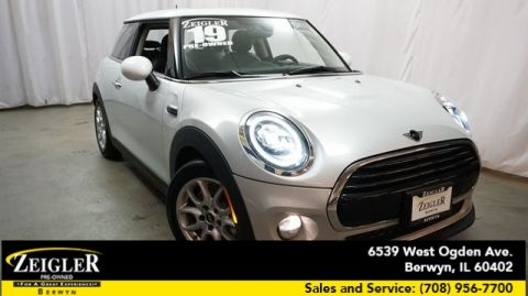 Pre-Owned 2019 MINI Cooper Signature FWD 2D Hatchback